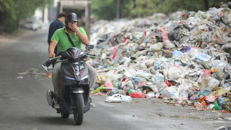 Mơ thấy rác bẩn