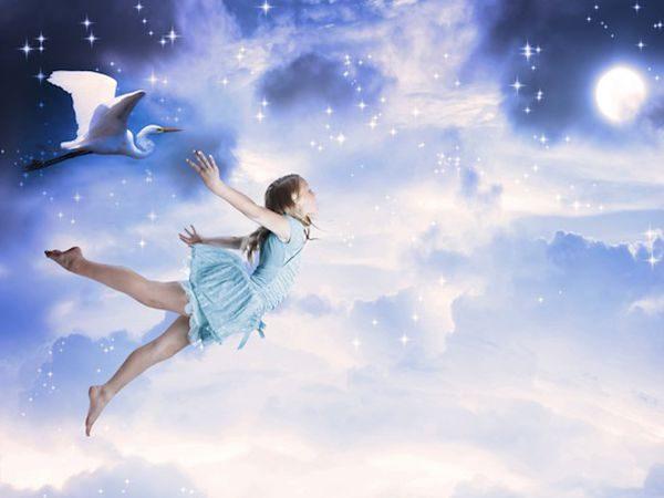 Nằm mơ thấy mình đang bay điềm báo gì, lành hay dữ?